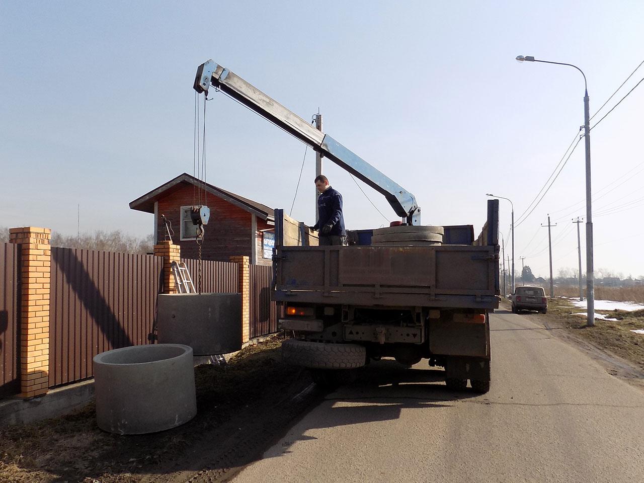 Разгрузка бетонных колец для КНС