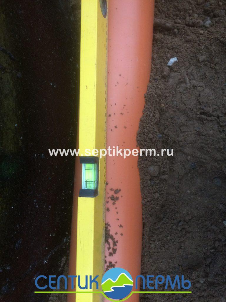 Шефмонтаж устройства очистки сточных вод Топас 8 с самотечным отводом очищенных стоков в дренажный колодец, Заостровка