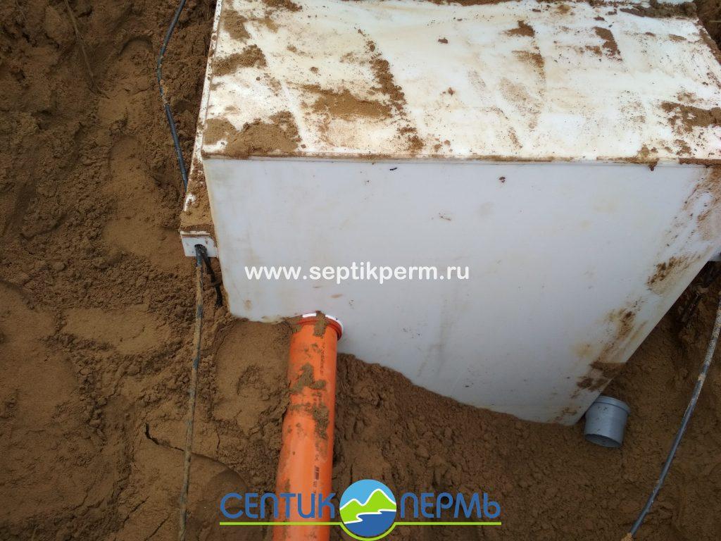 Монтаж автономной канализации Топас-С 8 принудительная в д.Красная слудка.